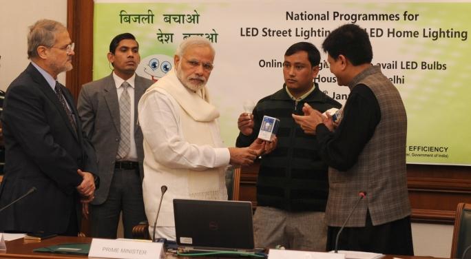 Get 2 LED bulbs for Rs 10 each